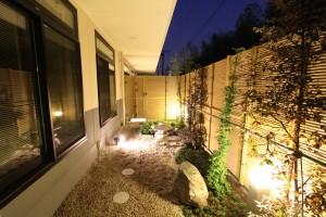 5坪庭夜景